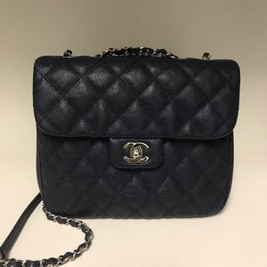 97b0ac72e422 ... Chanel 2018 Urban Companion Flap Bag ...